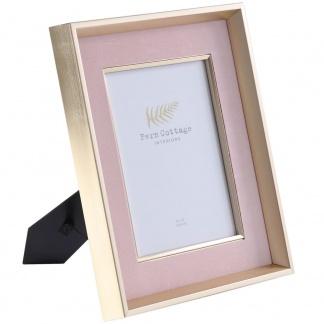 pink-velvet-in-deep-gold-frame-8x10